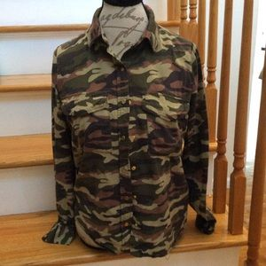 💋Forever 21 Camouflage Button Down Shirt